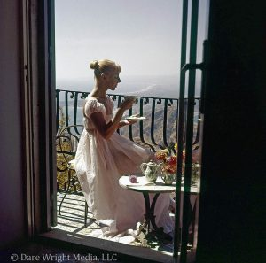 Dare's Story Photo of Dare Wright on Balcony in Taormina, Sicily